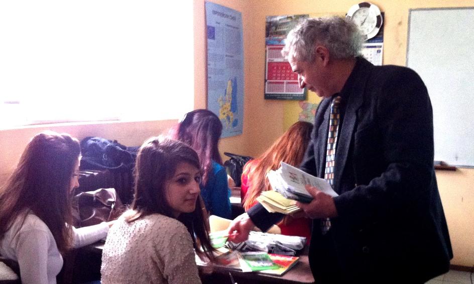 Директорът на ТСБ Добрич с учениците